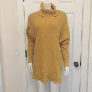 Banana Republic Tunic Sweater, Size M, NWOT!